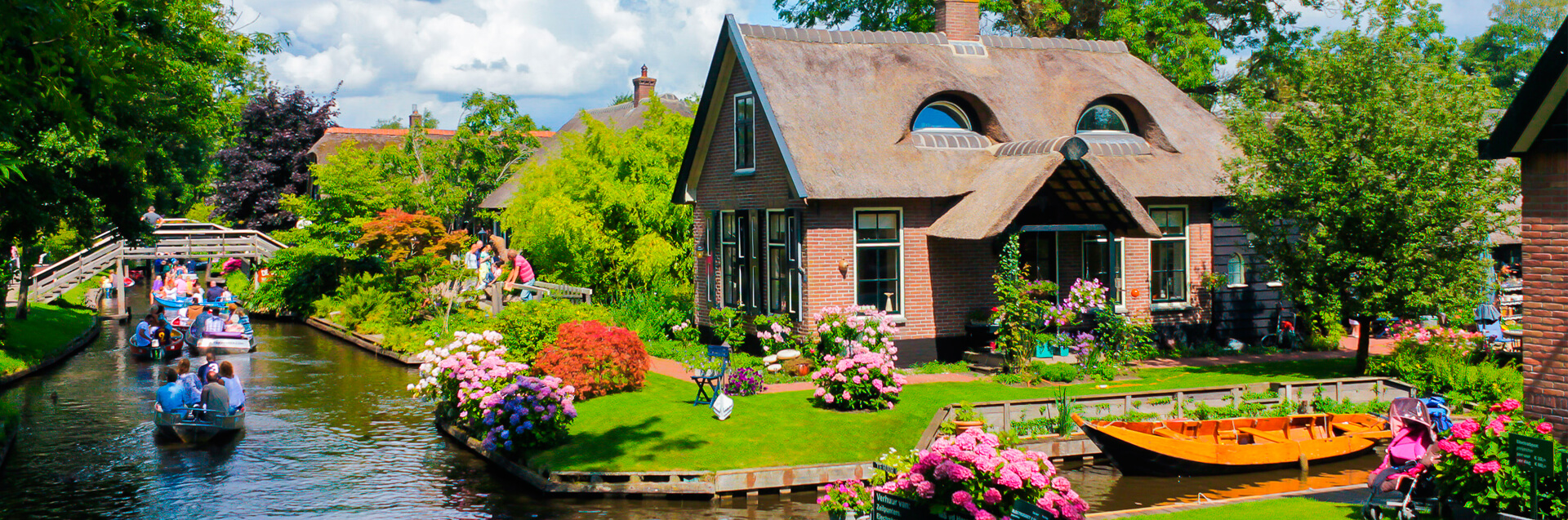 Giethoorn by boat discover holland for Home pictures images